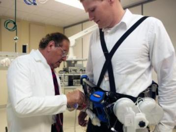 Портативная искусственная почка весит около 4 кг – так что ее уже можно таскать с собой